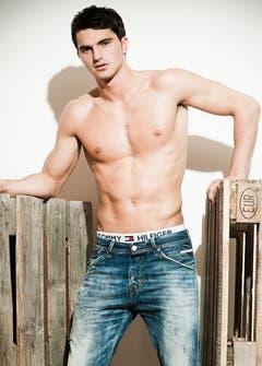 Fabian Süess ist Zürcher und arbeitet als Fitnesstrainer. Er ist 22 Jahre alt. (Bild: Mister Schweiz Organisation)