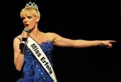 Ex-Miss-Schweiz Stephanie Berger sorgte mit ihrem Programm «Miss Erfolg» für Unterhaltung. (Bild: Reto Martin)