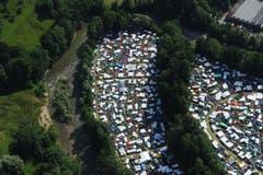 Dicht an dicht reihen sich die Zelte aneinander. (Bild: Hanspeter Schiess)