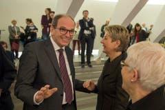 Der frisch gewählte Bruno Damann im Gespräch mit Ständerätin Karin Keller-Sutter. (Bild: Urs Bucher)