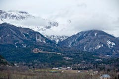 Blick auf den Helikopterlandeplatz in Seyne-les-Alpes. (Bild: Keystone)