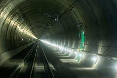 Personenzüge können mit bis zu 275 km/h durch den Gotthard fahren. (Bild: Keystone)