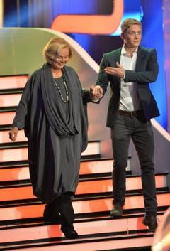 """Mit dem Schauspieler Matthias Schweighöfer nimmt Kubitschek 2013 an der Unterhaltungsshow """"Wetten, dass...?"""" teil. (Bild: Keystone)"""