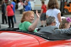 Sonja Wiesmann darf mit ihrer Familie im Auto sitzen. (Bild: Reto Martin)