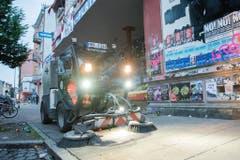 G20-Gipfel - Reinigungsarbeiten im Schanzenviertel (Bild: Keystone)