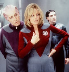 """An der Seite von Sigourney Weaver spielt Rickman (links) in """"Galaxy Quest"""". (Bild: Keystone)"""