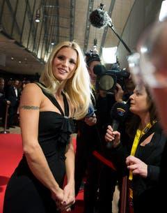 Kaum eine posiert schöner für die Kamera: Michelle Hunziker an der Gala de Berne im November 2012. (Bild: Keystone)
