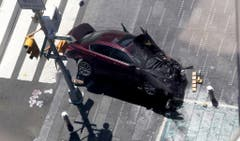 Vehicle strikes pedestrians in Times Square (Bild: Keystone)
