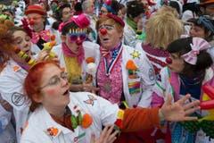 Die Spitalclowns feiern das 20-Jahr-Jubiläum der Stiftung Theodora auf dem Bundesplatz. (Bild: Keystone)