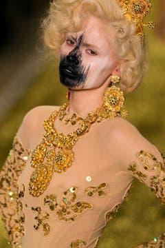 Aus der Herbstkollektion 2011/12. (Bild: Keystone)