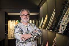 Martin Leuthold, Art Director bei Jakob Schlaepfer. Er bleibt dem Unternehmen auch nach der Übernahme durch die Forster Rohner erhalten. (Bild: Ralph Ribi)