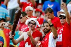 Vor dem Anpfiff waren die Schweizer Fans im Stadion noch gut gelaunt. (Bild: Keystone)