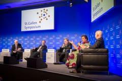 Panel Podium mit Lord Griffiths of Fforestfach, Joseph Muscat, Sigmundur Davis Gunnlaugsson, Hanna Tetteh und Jack Markell (von links). (Bild: Urs Bucher)