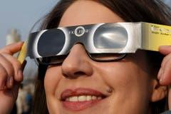 Nur so sind die Augen geschützt. (Bild: Keystone)