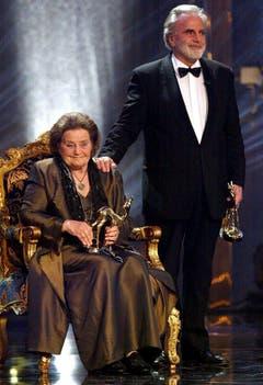 Maximilian Schell und seine Schwester Maria bei der Bambi-Verleihung im Jahr 2002. (Bild: Keystone)