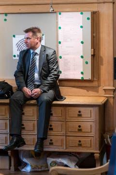 Brunner im Vorzimmer des Nationalrats währed der Wintersession 2013. (Bild: Keystone)