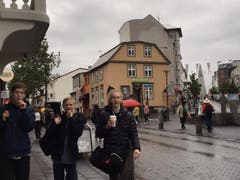 Junge Isländer in der Stadt. (Bild: Marion Loher)