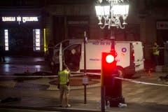 Van crashes into pedestrians in Barcelona (Bild: Keystone/EPA/Quique García)
