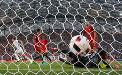 Ein Tor in der zweiten Minute: Polen schoss das erste Goal im Viertelfinal. (Bild: Keystone)