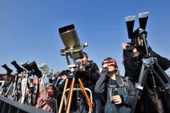 Fotografen mit Profiausrüstung gelingt am ehesten ein gutes Bild des Himmels-Spektakels. (Bild: Donato Caspari)