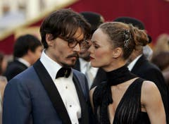 Johnny Depp und Vanessa Paradis an den Academy Awards vom 27. Februar 2005 in Los Angeles. (Bild: Keystone)