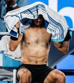 epa05758551 Rafael Nadal of Spain in action against Roger Federer of Switzerland during their Men's Singles final match at the Australian Open Grand Slam tennis tournament in Melbourne, Victoria, Australia, 29 January 2017. EPA/MADE NAGI (Bild: MADE NAGI)