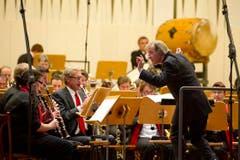 Der Dompteur und die Musiker: Auftritt eines Ensembles. (Bild: Michel Canonica)