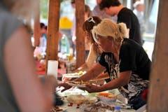 Die Standbetreiben liessen sich originelle Speisen einfallen für das Steckborner Stadtfest. (Bild: Reto Martin)