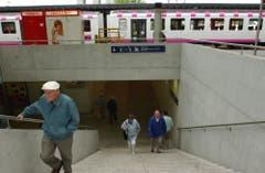 Nach langer Bauzeit wird die neue Unterführung im Jahr 2002 eröffnet. (Bild: Susann Basler (25. Mai 2002))