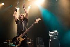 Macht Stimmung: John Calabrese, Bassist der Band Danko Jones. (Bild: Luca Linder)