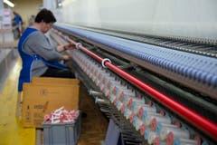 Einblick in die Produktionsanlagen der Forster Rohner AG. (Bild: Ralph Ribi)
