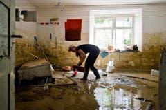 Diese Waschküche stand unter Wasser. (Bild: Keystone)