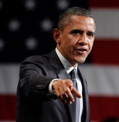Die Wahl des Demokraten Barack Obama war eine Sensation: Am 20. Januar 2009 zog erstmals in der Geschichte der USA ein Afroamerikaner ins Weisse Haus ein. Der 1961 geborene Obama startete seine Amtszeit während der globalen Finanzkrise. Er und sein Vice Joe Biden reformierten in den acht Jahren im Weissen Haus das Gesundheitssystem in den USA und verbesserten die diplomatischem Beziehungen zu Kuba. Obama erhielt den Friedensnobelpreis. (Bild: Keystone)