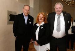 Wolfgang Kuchler, Sonja Wiesmann und Gastropräsident Ruedi Bartel. (Bild: Nana do Carmo)