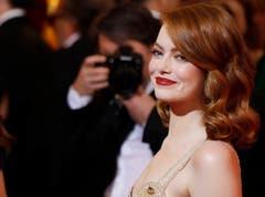 Da wusste sie noch nicht, dass sie für ihre Rolle in «La La Land» als Beste Hauptdarstellerin ausgezeichnet werden wird: Emma Stone bei ihrer Ankunft in Hollywood. (Bild: Paul Buck/Keystone)