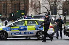 Firearms incident in the Westminister palace grounds and on Westminster Bridge (Bild: Keystone)