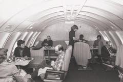 Lounge auf dem Oberdeck einer 747-257B der Swissair, 1978. (Bild: ETH-Bibliothek/Bildarchiv/Stiftung Luftbild Schweiz/Swissair)