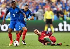 Dabei fehlte dem neuen Europameister fast im kompletten Spiel der wichtigste Mann. Ronaldo musste verletzungsbedingt schon früh ausgewechselt werden. (Bild: Keystone)