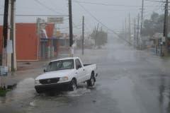 Fast leere Strassen vor dem Hurrikan in Fajardo, Puerto Rico. (Bild: Keystone)