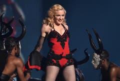 Madonna setzt sich verschiedenen Angaben zufolge nur auf noch nie benutzte Toilettenbrillen. Und sie trinkt ausschliesslich Kabbala-Wasser. (Bild: Keystone)