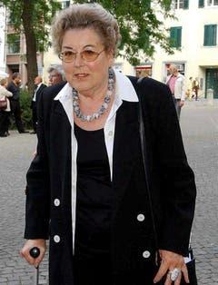 Lilian Uchtenhagen im Jahr 2002 bei der Trauerfeier für Schriftstellerin und Journalistin Laure Wyss. (Bild: Keystone)