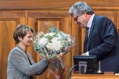 Die Thurgauer Ständerätin Brigitte Häberli gratuliert Ivo Bischofberger zur Wahl. (Bild: Keystone)