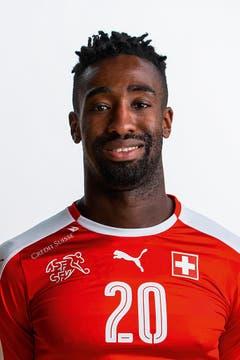Johan Djourou: 3. Ist der Unsicherheitsfaktor in der Schweizer Mannschaft. Sieht bei beiden Gegentoren schlecht aus. (Bild: Keystone)