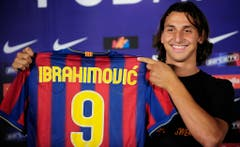 Platz 14: Zlatan Ibrahimovic. 2009 für 69,5 Millionen Euro von Inter Mailand zu Barcelona. Im Tausch inbegriffen war der Transfer von Samuel Eto'o, der zu Inter Mailand musste. (Bild: Manu Fernandez / Keystone)
