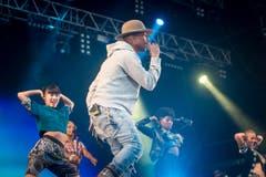 Pharrell Williams heizte den Festivalbesuchern gehörig ein. (Bild: Michel Canonica)