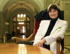 Wartet auf das Hearing bei den Grünen: Bundesratskandidatin Micheline Calmy-Rey. (Bild: Keystone)