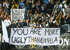 """""""Ihr seid hässlicher als Camilla"""": Mit dieser Anspielung auf die Herzdame von Prinz Charles greifen Fans von Juventus Turin die Anhänger aus Liverpool bei einem Match im Frühling 2005 an. (Bild: Keystone)"""