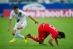 Roberto Rodriguez hat einen Gegenspieler zu Fall gebracht. (Bild: Michel Canonica)