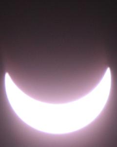 Partielle Sonnenfinsternis, 20.3.2015, 10.36 Uhr, in Bronschhofen aufgenommen. (Bild: Marco Rogozia/Leser)