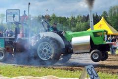 Sportklasse 2.5t: Ernst Engeli aus Affeltrangen (Green Muscle Machine Deutz 8006). (Bild: Nana do Carmo)